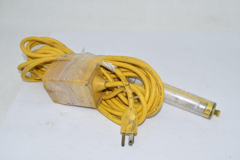 Woodhead 1045 4w 18ft Fluorescent 2c Handlamp