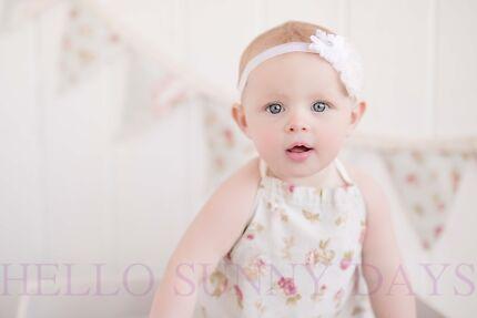HELLOSUNNYDAYS CHILD CAKE SMASH PHOTOGRAPHER