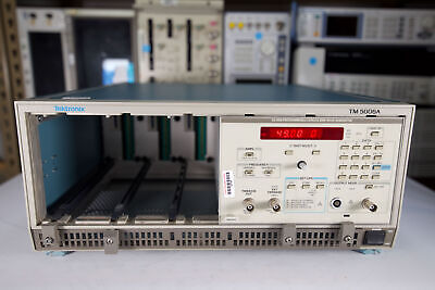 Tektronix - Sg5030 Programmable Leveled Sine Wave Generator Wtm5006a Chassis