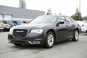 2018 Chrysler 300 Touring - NAVI, LEATHER, SUNROOF!