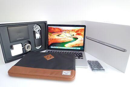 """Macbook RETINA 13"""" 2013 + i7 intel 256SSD + HERSCHEL case"""