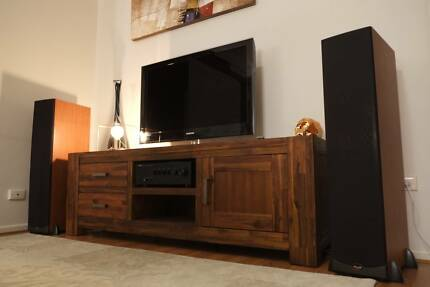 Modern Hardwood Sorrento Style Entertainment Unit – Brand New
