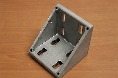 8020 Inc T-slot 8 Hole Corner Bracket Wdual Support 45 Series 14111 Used C6-02