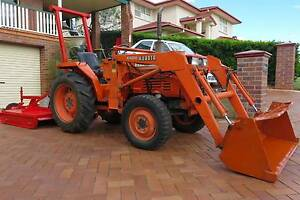 Kubota 4x4 L2550 Tractor Bridgeman Downs Brisbane North East Preview