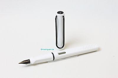 Lamy Safari (old color) Alpine White as Fountain Pen with black clip with case