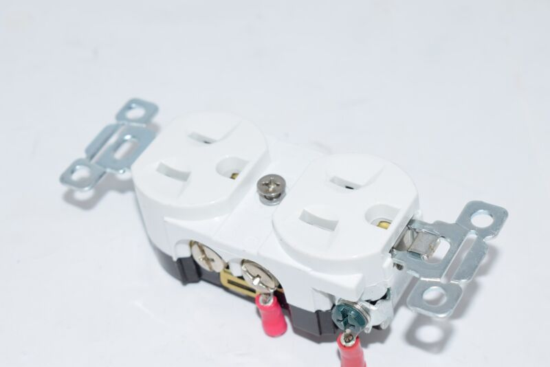 Lot of 4 Bryant 125V 15A White Receptacle Outlet Plugs