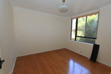 5 mins to Strathfield station - Single Rooms Available Strathfield Strathfield Area Preview