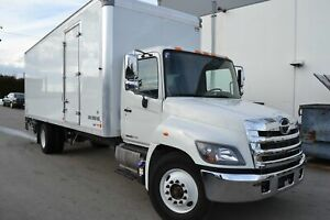 2018 Hino 338 26'Collins Box & Maxon Alum Platform Lift Gate