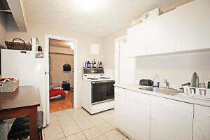1 Bedroom Cozy Apartment Near Downtown Barrie - 149 Penetang