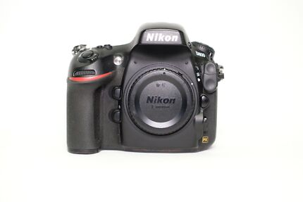 Nikon D800 Body + Battery Grip