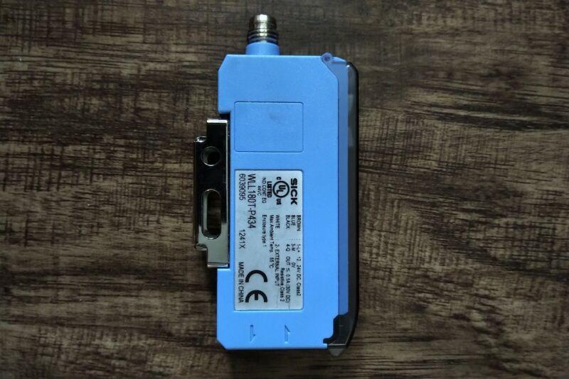 SICK Fiber Optic Sensor WLL180T-P434