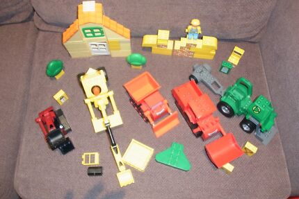 bob the builder Duplo trucks and buildings great condition