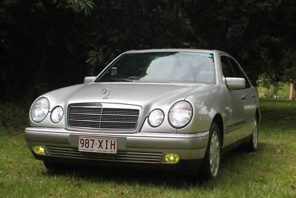 CairnsClassicTours.com - Book the Benz!