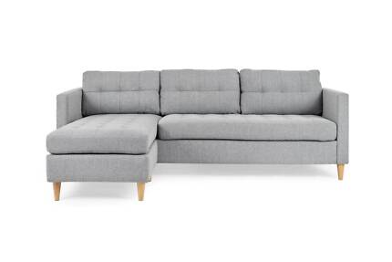 Alexis sofa with reversible chaise