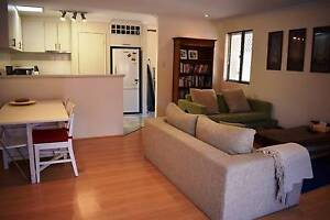 Lovely modern  3 bedroom 1 bathroom front villa, alarm, air con Yokine Stirling Area Preview