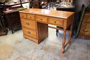 Baronet Furniture - Maple Desk - excellent condition $85