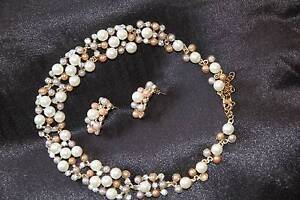 Faux pearl and crystal necklace and matching earrings. Corlette Port Stephens Area Preview