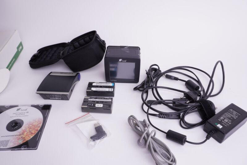 LEAF Aptus 22 digital back + accessoires, boxed. For Hasselblad H 645