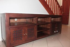 TV cabinet Ashmore Gold Coast City Preview