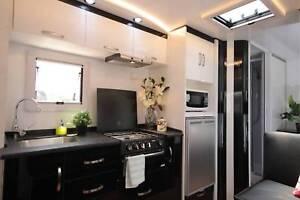 21 FT Liberty Tourer two Bunks 788 Solar Panels,awnings/batteries