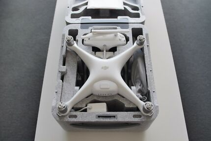 DJI Phantom 4 Drone / Quadcopter with 4K HD video recording