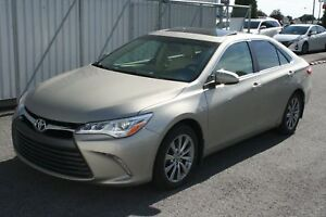 2015 Toyota Camry XLE V6 **CUIR/TOIT/NAVIGATION** 64 397KM*
