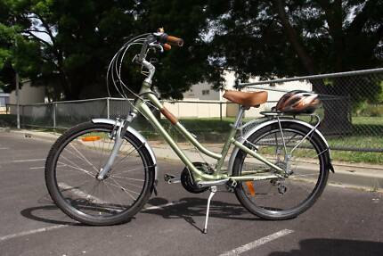 Giant Suede City bicycle in as-new condition