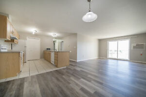 Large Top Floor, Three Bedroom with A/C! Available Today!