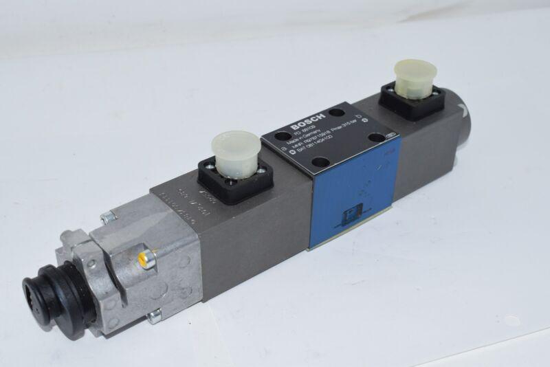 NEW BOSCH REXROTH R978715918 Hydraulic Valve 315 bar 0811404100