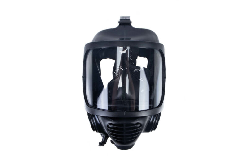 Mira Safety CM-6M Gas Mask w/ Drinking System