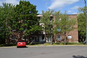 Charny, prox de tout, 4½, 2e étage, rénové, dispo rapide ou