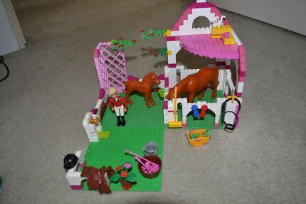 Lego Belville Stables 7585