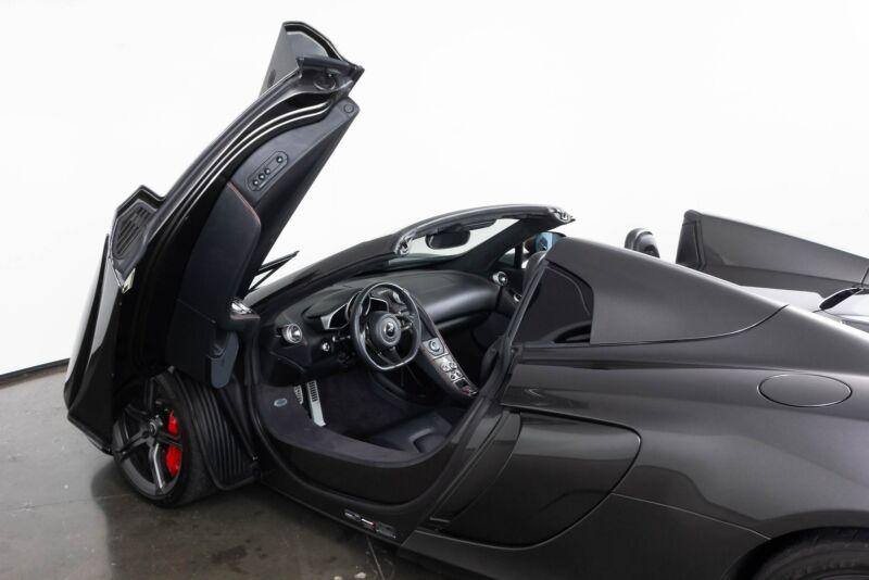 Image 3 Voiture Asiatique d'occasion McLaren 650S 2015