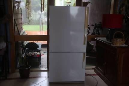 Westinghouse Silhouette 501 Upside Down Fridge Freezer Excellent