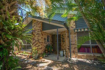 Jacobs Well (Gold Coast) Property - Relaxing Waterfront Village