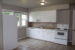Forest Heights Apartment For Rent 1300 - 41 Street SE