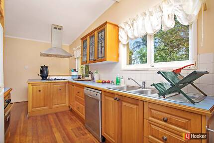 3 Bedroom family home - prime location in The Gap! - 3 Madeira St