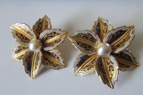 Vtg Damascene Styled Flower Clip-on Earrings w/Faux Pearl Center