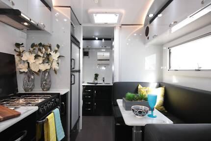 2016 Goldstar RV 19 FT Caravan Set up for Free Camping