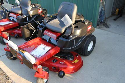 New Toro SS5425 54in Zero turn mower 24hp V-twin engine