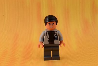 WU with Flask /& Dart New Lego Jurassic World Minifigure Dr from set 75919