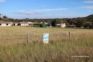Country feel, Close to facilities - 1 Acre North of Stanthorpe Stanthorpe Southern Downs Preview