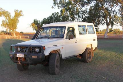 2004 Toyota LandCruiser Troopcarrier Manual 4X4 Exmouth Exmouth Area Preview