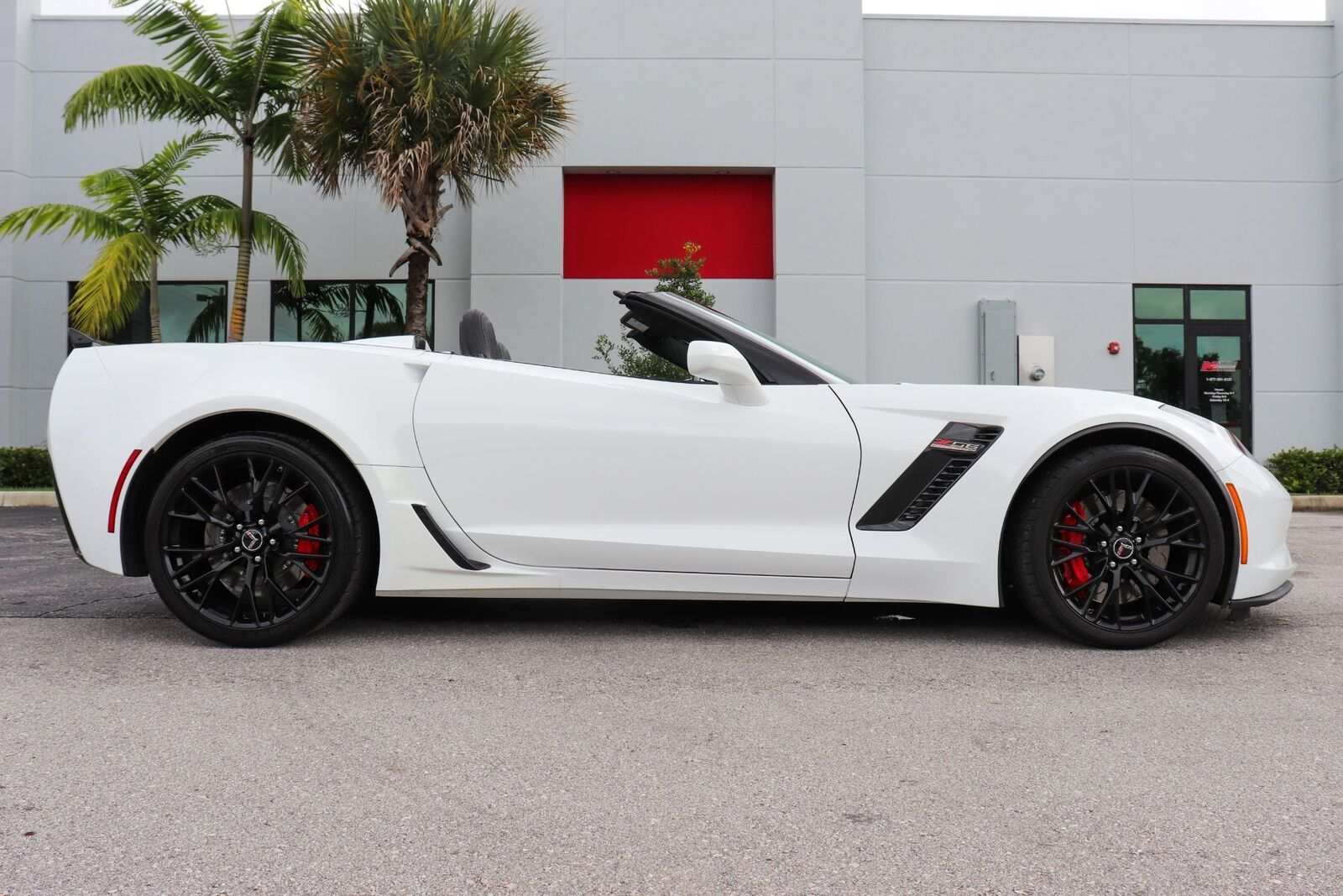 2015 White Chevrolet Corvette Z06  | C7 Corvette Photo 10