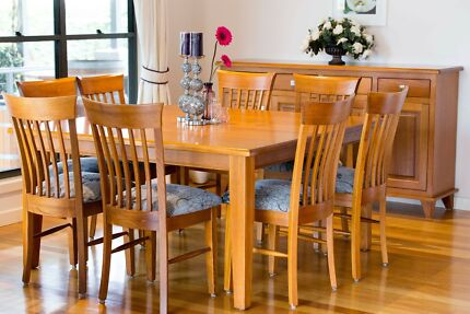 SOLID Tasmanian Oak Dining Setting - Excellent Condition