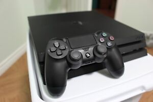 PS4 Pro 1TB - barely used