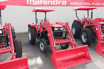 MAHINDRA 4025 4X2 inc LOADER AND BUCKET