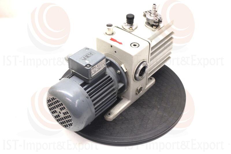 Leybold Heraeus Trivac D4A Vacuum Pump +AEG Am 71 KY4 Motor