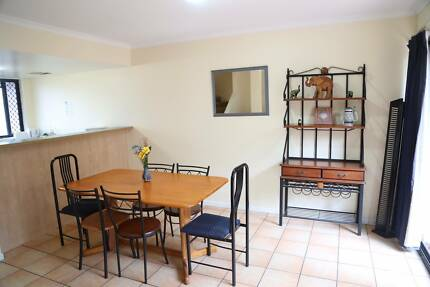 Fully furnished/air-conditioned/ensuite Rooms (Walk to Griffith)