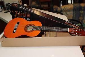 Valencia TC12 1/2 Nylon Classical Guitar Findon Charles Sturt Area Preview